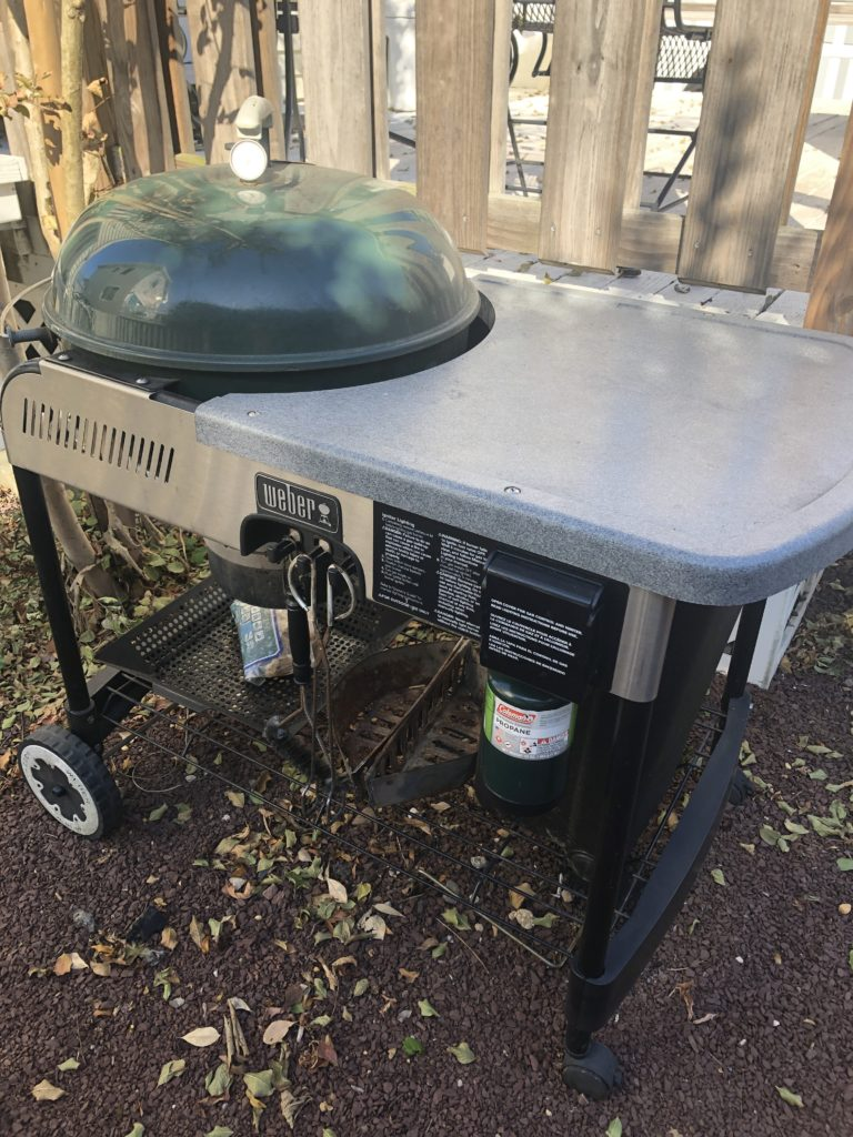 Weber charcoal grill with gas starter