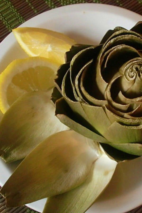 artichoke with lemon