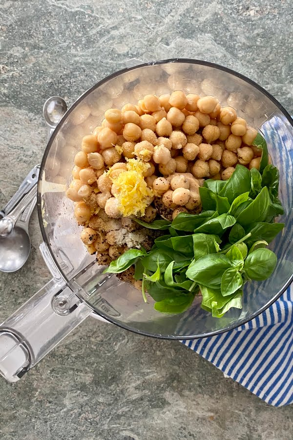 the ingredients for chickpea dip